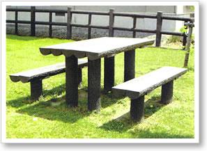 擬木ベンチ、テーブル